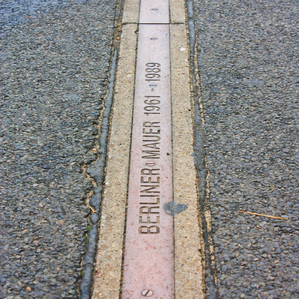 Pavement marker Niederkirchnerstrasse, between Martin-Gropius Bau & Topographie des Terrors, Berlin, Germany - 2. Okt. 2009