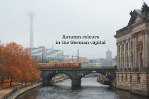 Monbijoubrücke, Museumsinsel, Fernsehturm, Spree, S-Bahn Berlin, Berlin, Germany, fotoeins.com