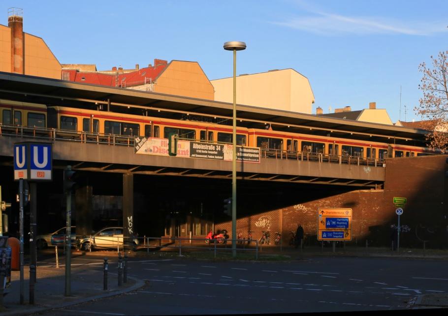 Bundesplatz, S-Bahnhof, U-Bahnhof, BVG, Berlin U-Bahn, S-Bahn Berlin, Friedenau, Wilmersdorf, Berlin, Germany, fotoeins.com
