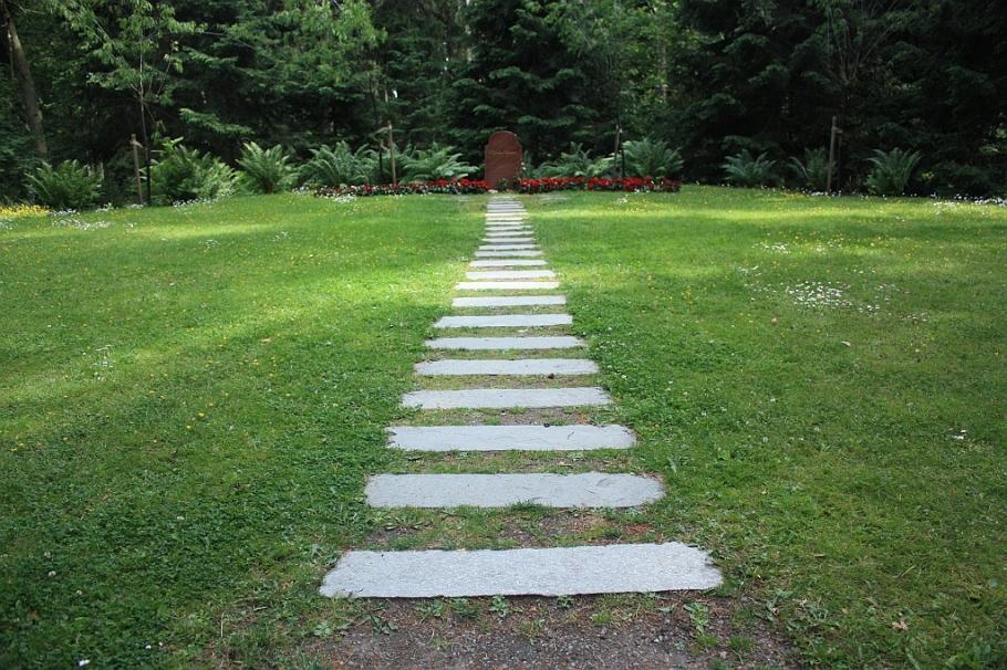 Skogskappellet, Woodland Chapel, Skogskyrkogarden, Woodland Cemetery, Stockholm, Sweden, fotoeins.com