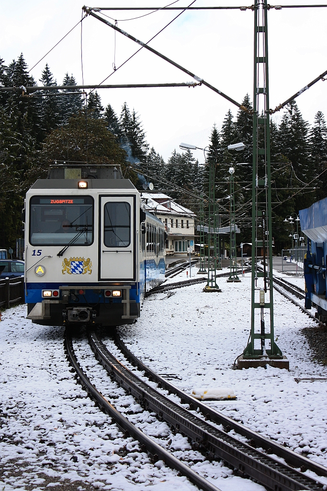 Zugspitzbahn leaving Eibsee station