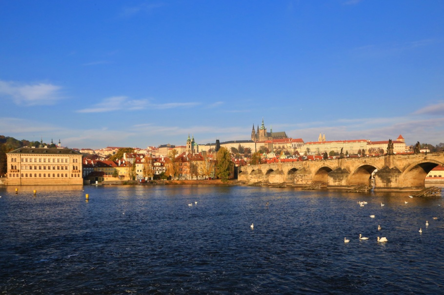 Socha Bedřicha Smetany, Charles Bridge, Vltava river, Moldau, Petrin, Prague, Praha, Czech Republic, fotoeins.com