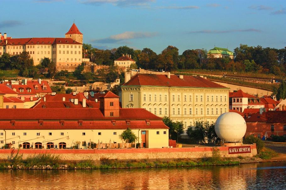 Vltava river, Moldau, Lesser Quarter, Prague, Praha, Czech Republic, fotoeins.com