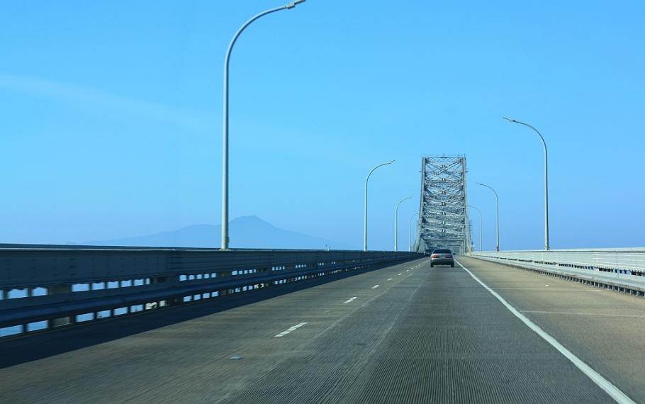 Westbound I-580 San Rafael Bridge