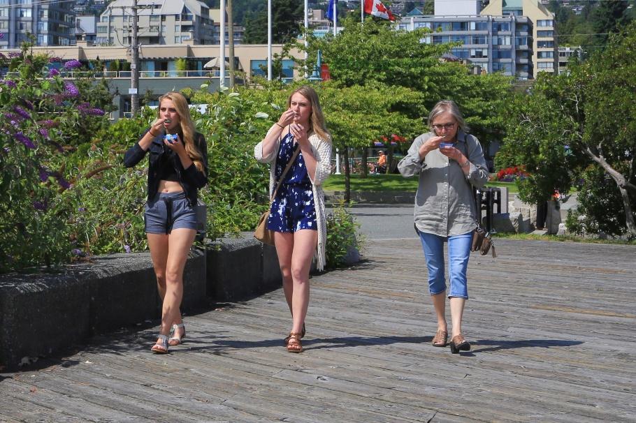Ambleside Pier, West Vancouver, BC, Canada, fotoeins.com