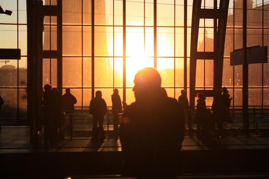 Afternoon rush, Alexanderplatz, commuters, Pendler, Bahnhof, S+U Alexanderplatz, Berlin, Germany, fotoeins.com