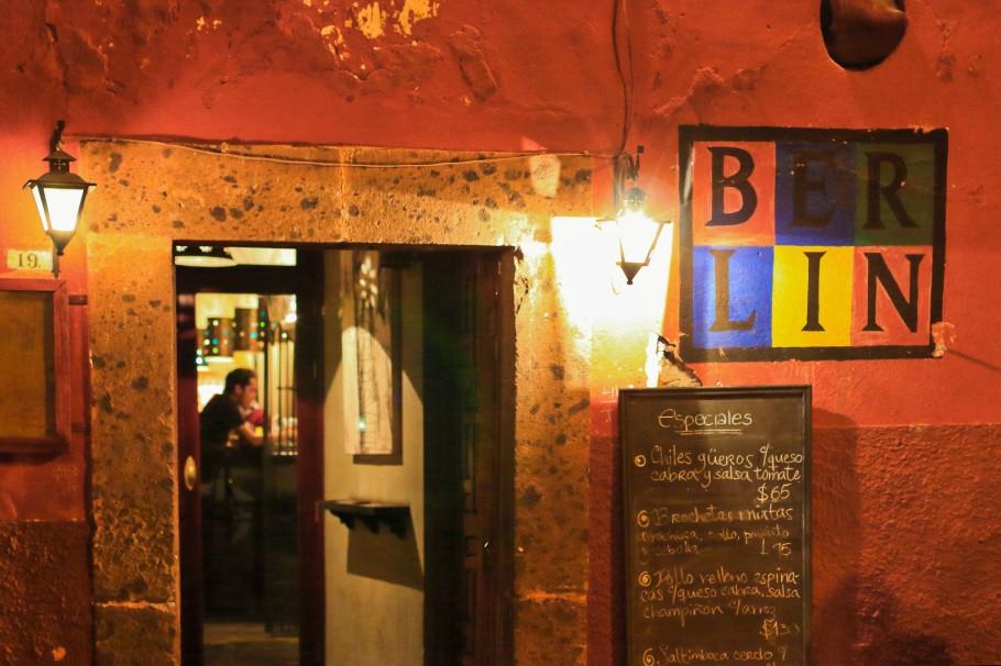 Berlin Bar and Bistro, San Miguel de Allende, Estado Libre y Soberano de Guanajuato, Mexico, myRTW, fotoeins.com
