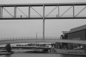 Passing by, over the Spree