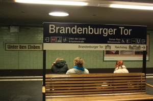 S-Bahn Brandenburger Tor, formerly Unter den Linden