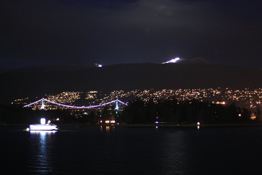 Lions Gate Bridge, Stanley Park, Coal Harbour, Burrard Inlet, Cypress Mountain, West Vancouver, Vancouver, BC, Canada