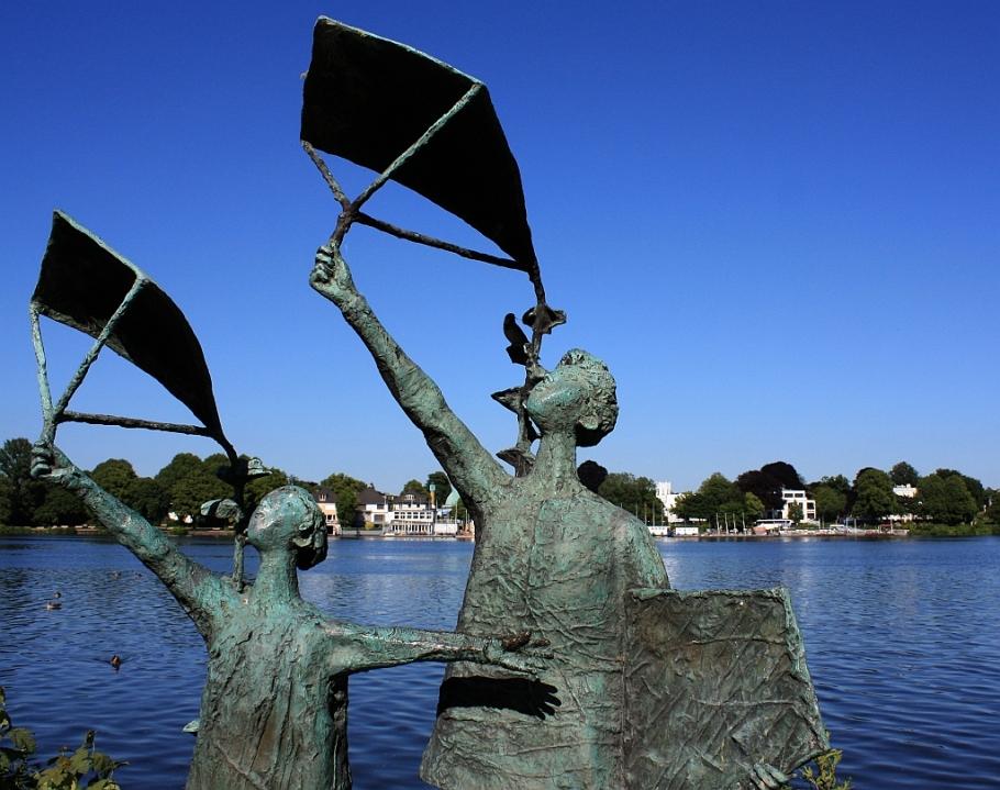 Gerhard Brandes, sculpture, Aussenalster, Alsterufer, Alster, Hamburg, Germany, fotoeins.com