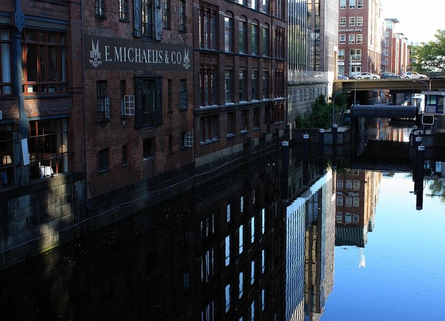 E Michaelis and Co., Michaellisbrücke, Herrengrabenfleet, Hamburg, Germany, fotoeins.com