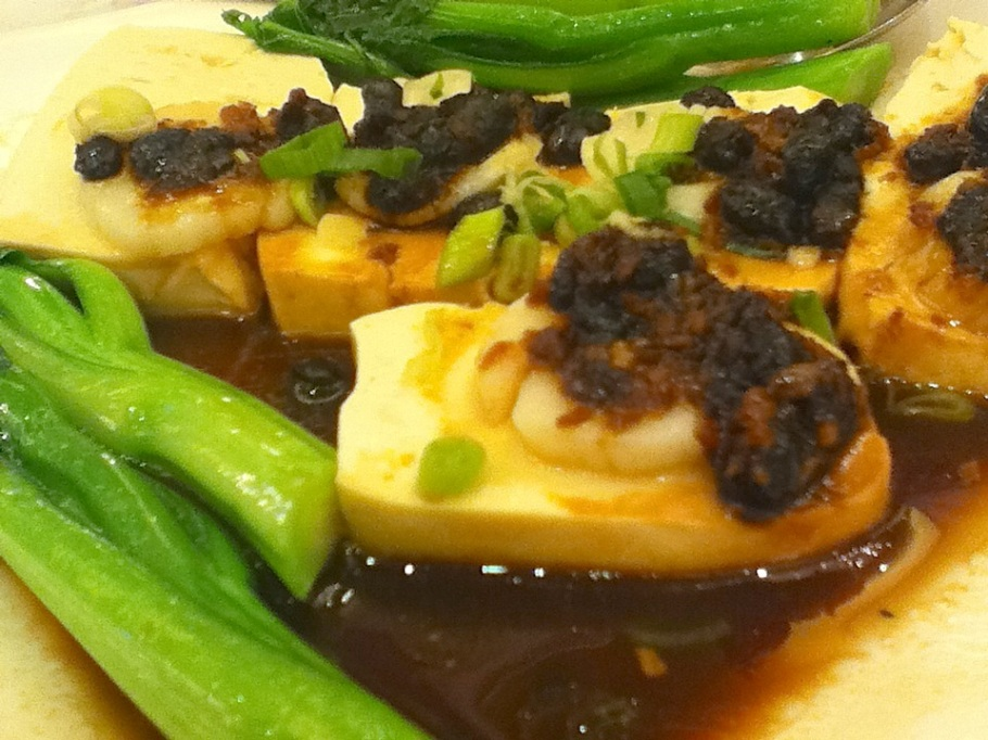 Steamed scallops on tofu, with black bean sauce. Great Chinatown Seafood Restaurant, Kwun Tong, Kowloon, Hong Kong - 14 Jun 2012