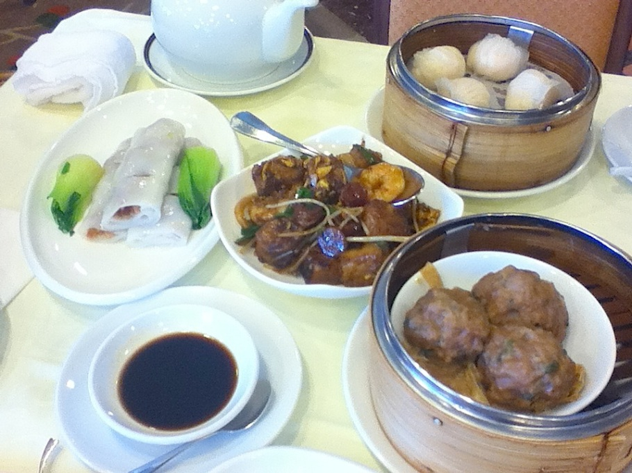 Dim sum (yum cha) at Moon Koon Restaurant, Hong Kong Jockey Club - 24 Jun 2012