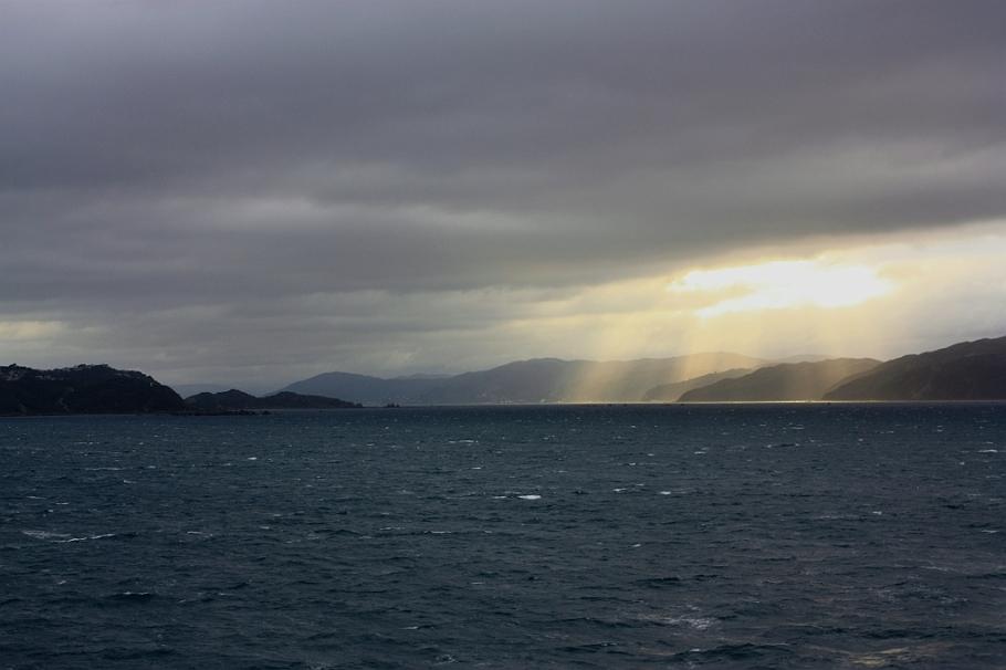 "Shining on Wellington harbour (Port Nicholson), on board ""Kaitaki"" Interislander ferry from Wellington to Picton, New Zealand, fotoeins.com"