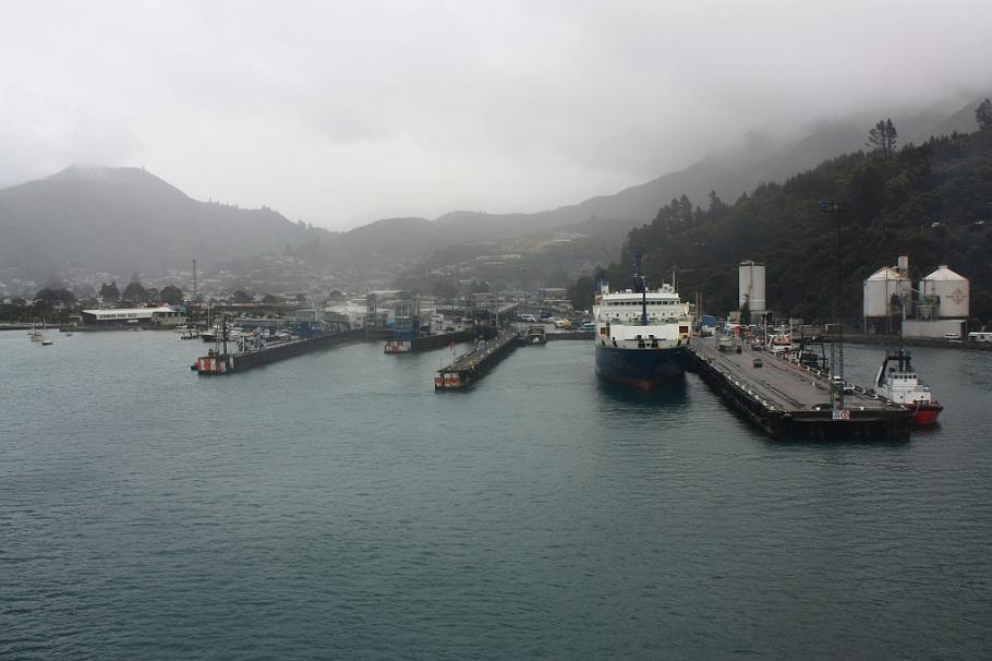 "Picton, on board ""Kaitaki"" Interislander ferry from Wellington to Picton, New Zealand, fotoeins.com"