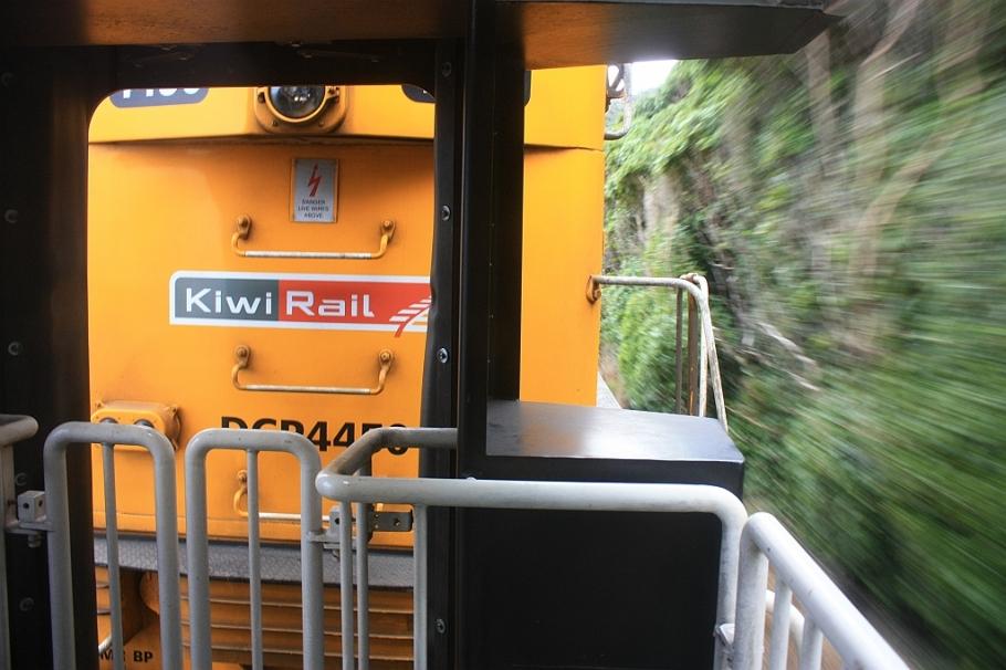 KiwiRail Coastal Pacific train, Picton to Christchurch, South Island, New Zealand, fotoeins.com