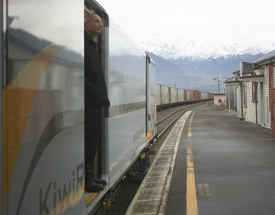 Planned stop in Kaikoura, on KiwiRail Coastal Pacific train, Picton to Christchurch, South Island, New Zealand, fotoeins.com