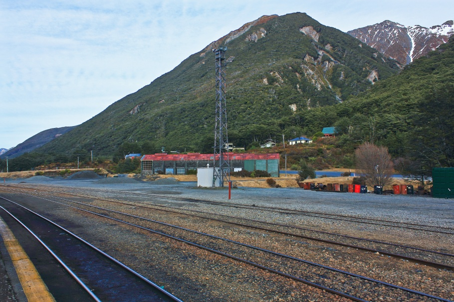 Arthur's Pass, from TranzAlpine train from Christchurch to Greymouth, fotoeins.coms