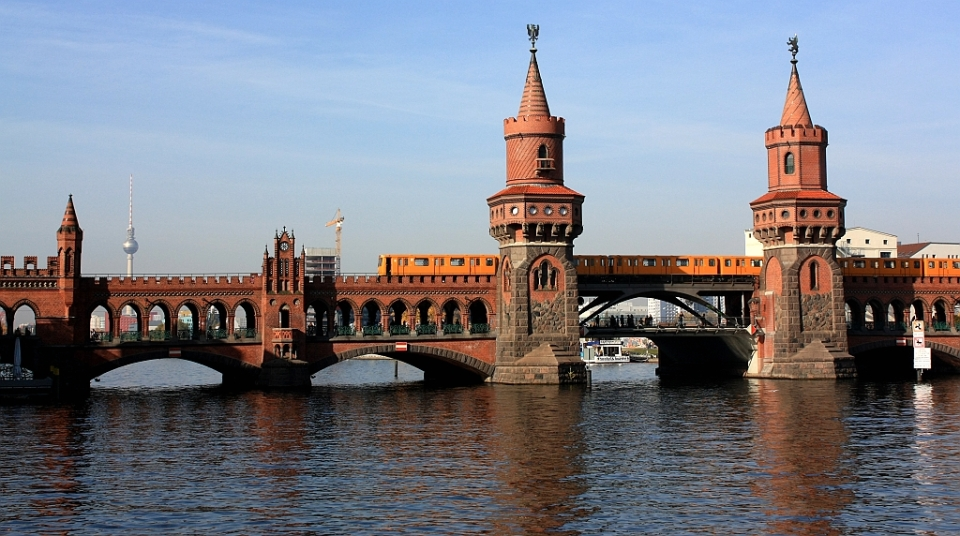 U1 train, Oberbaumbrücke, Berlin, Germany