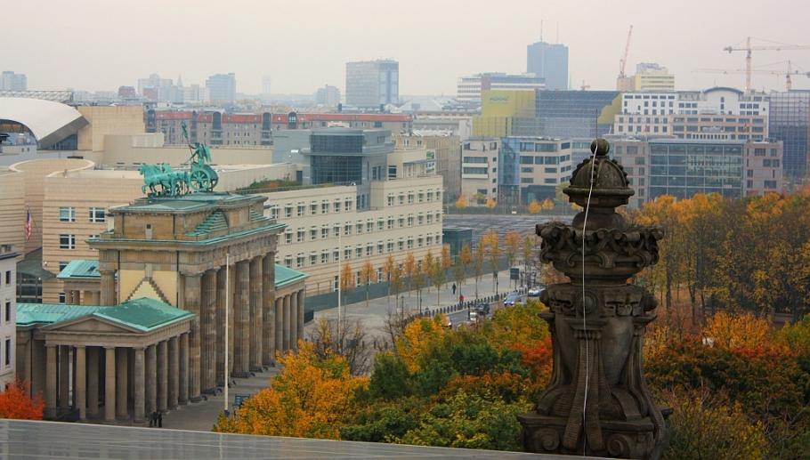 Brandenburger Tor, Amerikanische Botschaft, American Embassy, Tiergarten Berlin, Germany, fotoeins.com