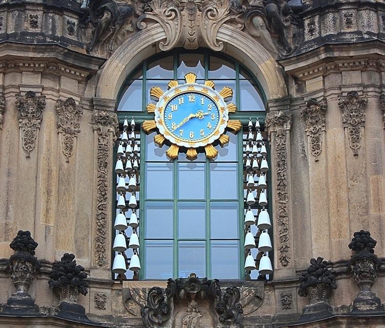 Carillion (Glockenspiel), Glockenspielpavilion, Zwinger, Dresden, Germany