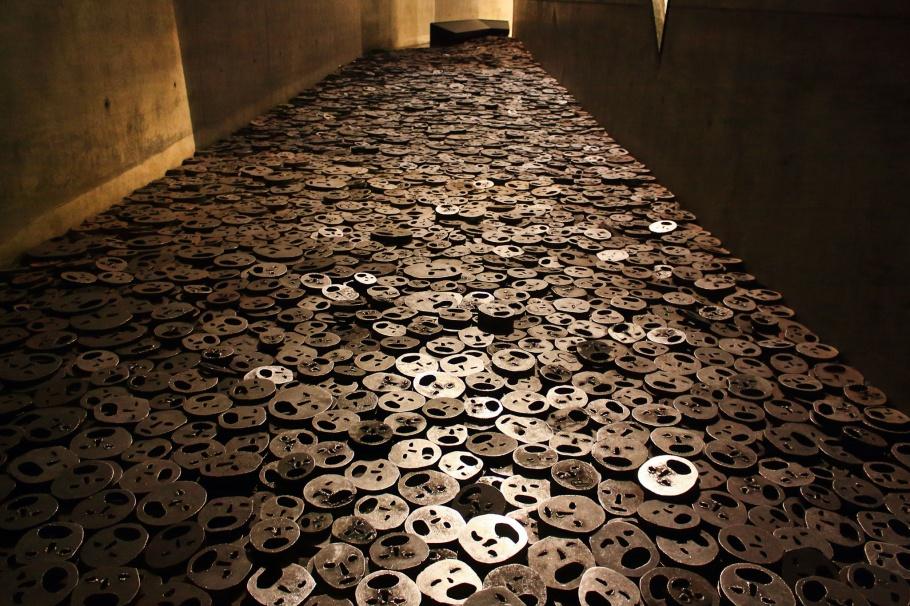 Shalechet, Shalekhet, Fallen Leaves, Menashe Kadishman, Jewish Museum Berlin, Berlin, Germany, Deutschland, fotoeins.com