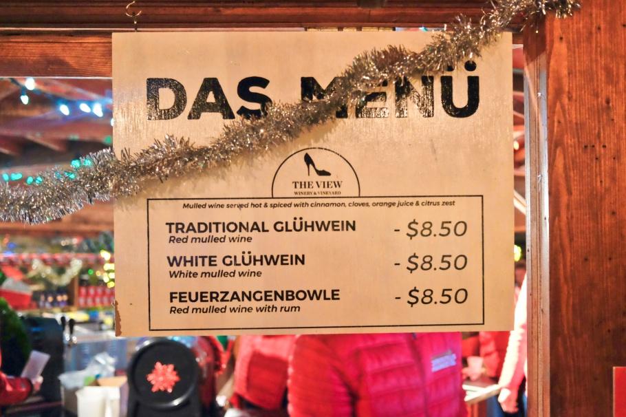 Glühwein, Vancouver Christmas Market, Jack Poole Plaza, Vancouver, BC, Canada, fotoeins.com