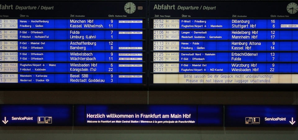 Abfahrtstafel (Departures board), Frankfurt am Main Hauptbahnhof, fotoeins.com