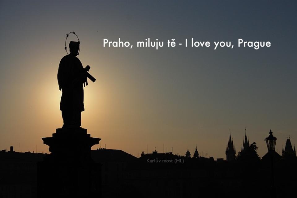Karluv most, Charles Bridge, summer dawn, Prague, Praha, Prag, Czech Republic, UNESCO World Heritage Site, fotoeins.com