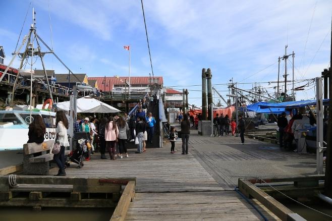 Steveston public fish sales float fotoeins fotopress for Fish market richmond va