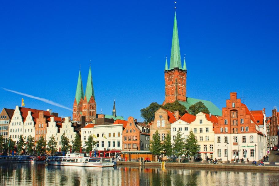 Malerwinkel, Trave river, Lübeck, Hansestadt Lübeck, Luebeck, Schleswig-Holstein, Germany, Deutschland, UNESCO, World Heritage, Welterbe, Weltkulturerbe, fotoeins.com