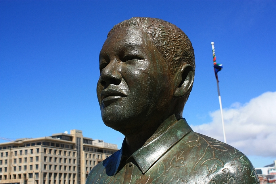 Nelson Mandela statue, Nobel Plaza, Victoria & Alfred Waterfront, Cape Town