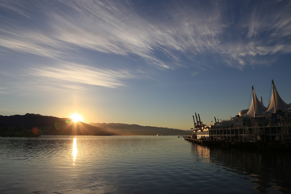 Sunrise over Burrard Inlet : Vancouver, BC, Canada - 1 July 2014, fotoeins.com