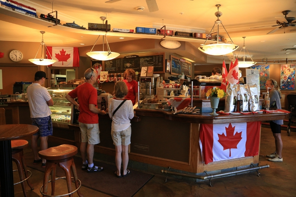 Delany's, Dundarave, West Vancouver, BC, Canada - 1 July 2014, Canada Day, fotoeins.com
