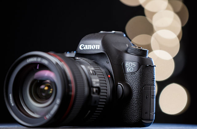 Canon EOS6D, by Dave Dugdale for Wikimedia