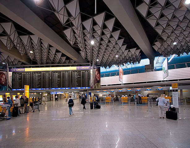 Flughafen Frankfurt am Main, Terminal 1, Halle A : by Sven Teschke (Wikipedia)