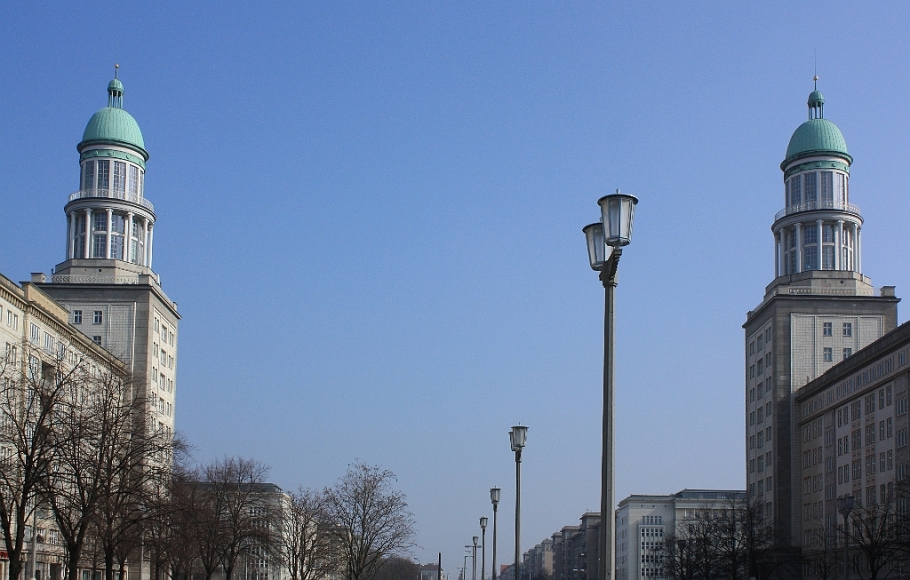 Two towers, Frankfurter Tor, Karl-Marx-Allee, Friedrichshain, Berlin, Germany, fotoeins.com
