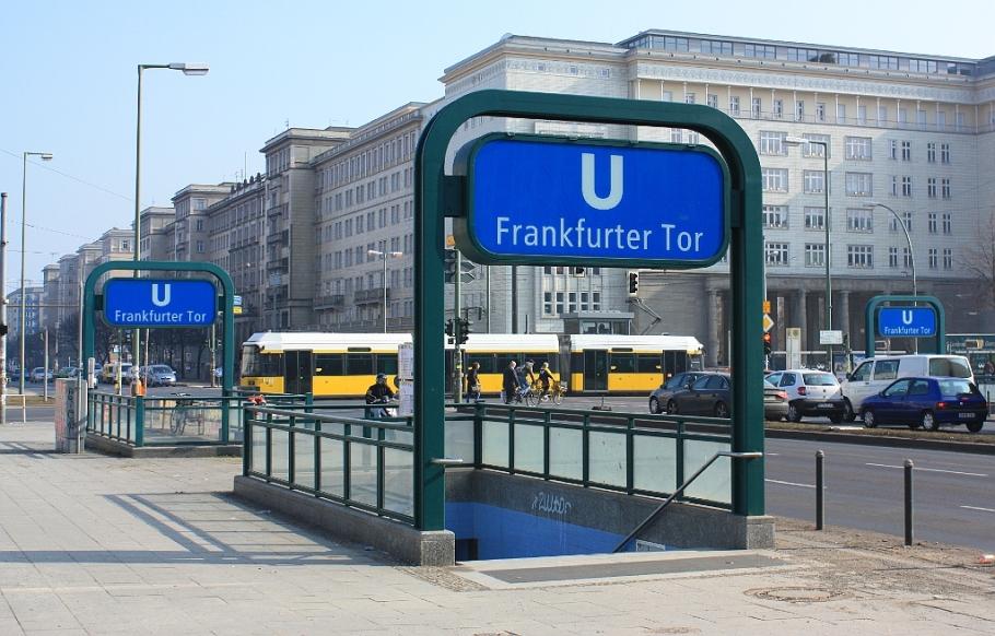 Blue U, Frankfurter Tor, Friedrichshain, Berlin, Germany, fotoeins.com