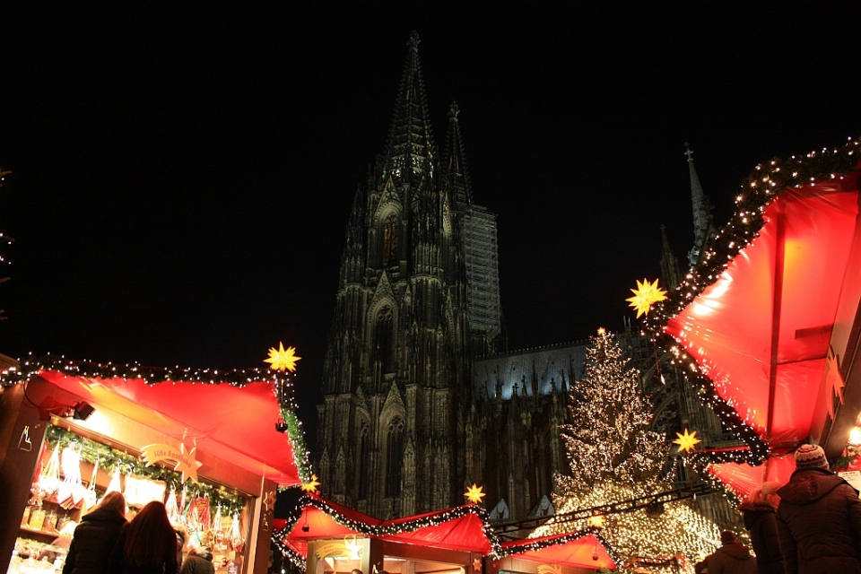 Markt der Herzen, Weihnachtsmarkt Kölner Dom, Roncalliplatz, Köln, Germany, fotoeins.com
