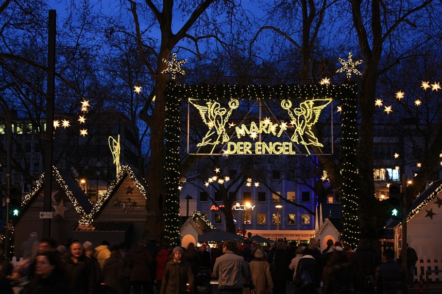 Markt der Engel, market of angels, Weihnachtsmarkt, Christmas market, Neumarkt, Köln, Germany, fotoeins.com