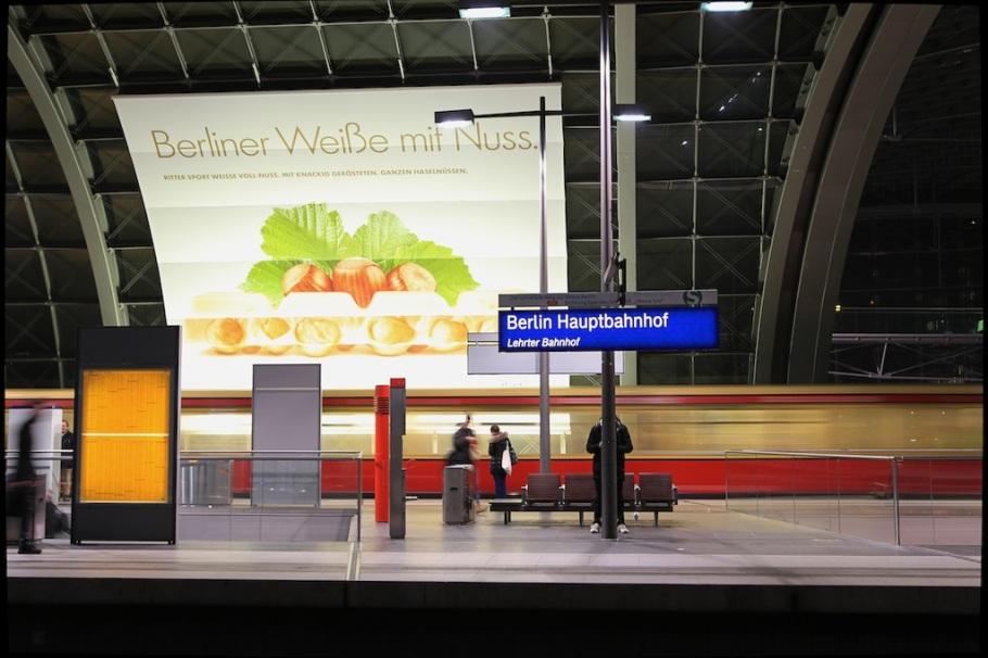 S-Bahn, S-Bahn Berlin, Berlin Hauptbahnhof, Berlin, Germany, fotoeins.com