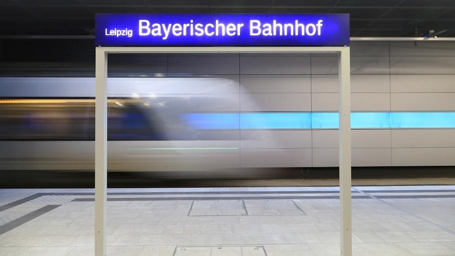 Blue streak, Bayerischer Bhf, Leipzig, Germany, fotoeins.com