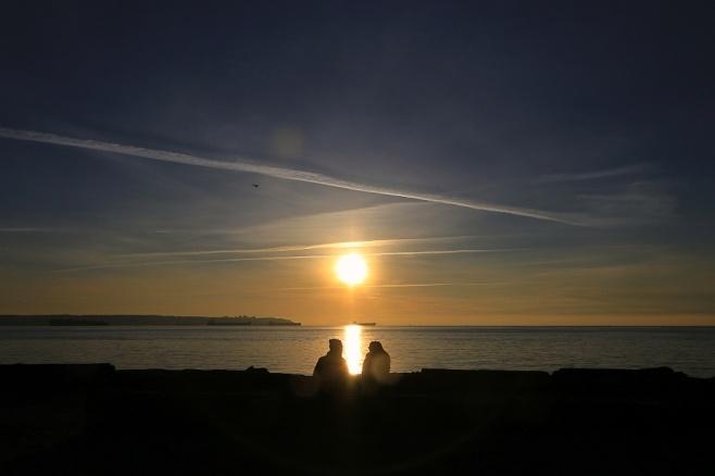 Late-afternoon conversation, Georgia Strait, Salish Sea, Dundarave, West Vancouver, BC, fotoeins.com