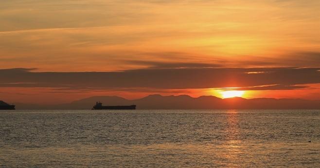 1st sunset of 2015, Georgia Strait, Salish Sea, West Vancouver, BC, fotoeins.com