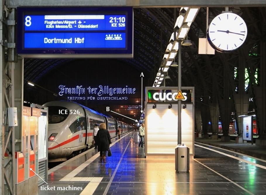 Zugzielanzeiger (Train destination signage), Frankfurt am Main Hauptbahnhof, fotoeins.com