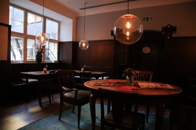 Interior and Gemütlichkeit, Cafe Burkardt, Heidelberg, Germany, fotoeins.com