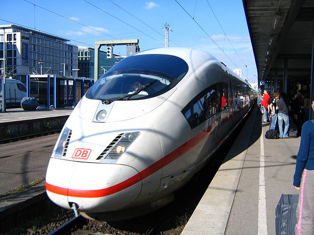 DB ICE (InterCityExpress) at Stuttgart Hbf, by Greg O'Beirne, CC BY 2.5