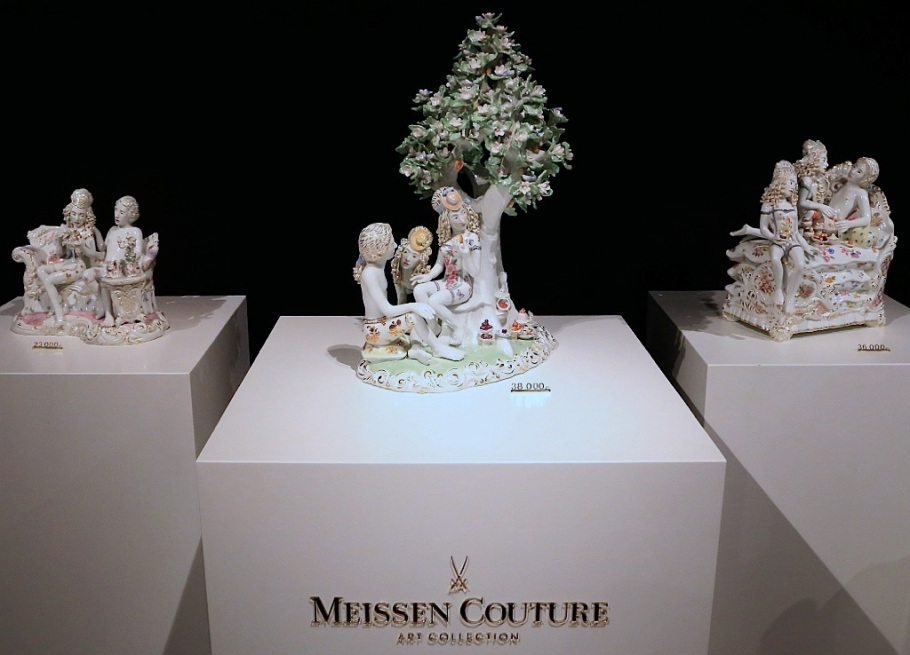 Meissen Couture art collection, Haus Meissen, Meissener Porzellan, Staatliche Porzellan-Manufaktur Meissen, Meissen, Sachsen, Saxony, Germany, fotoeins.com