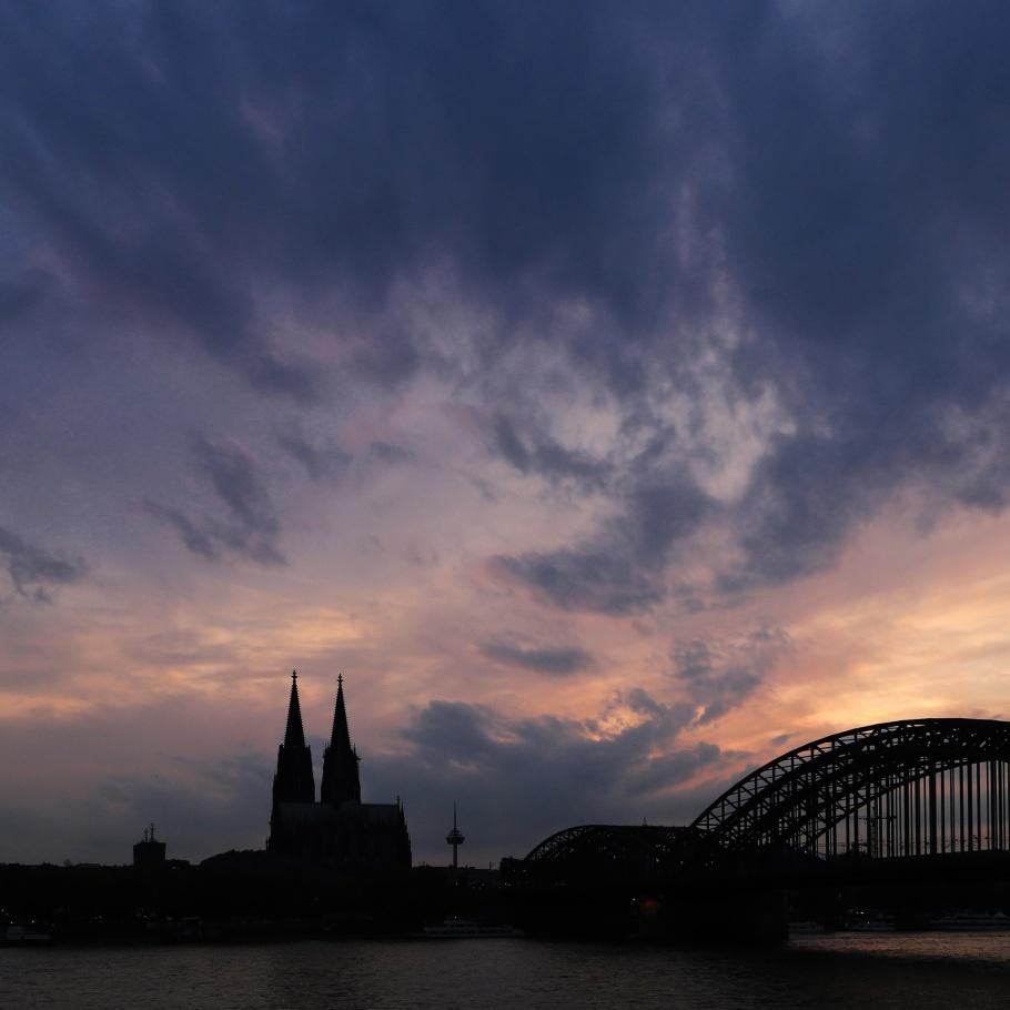 Rheinboulevard, Kennedy-Ufer, Rhein, Rhine, Kölner Dom, Cologne Cathedral, Hohenzollernbrücke, Cologne, Köln, Germany, Deutschland, fotoeins.com